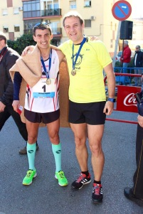 con el campeón de Maratón Bruno Peixao que terminó la carrera en 2h21min